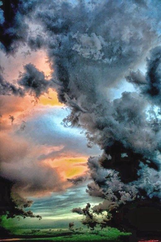 "Miks' Pics ""Clouds"" board @ http://www.pinterest.com/msmgish/clouds/"