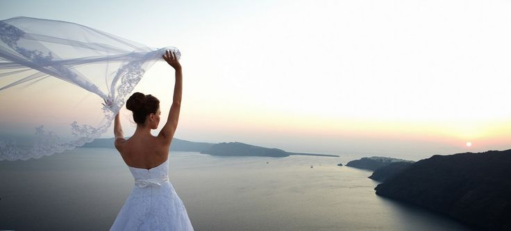 veil bride caldera santorini amazing sunset weddings