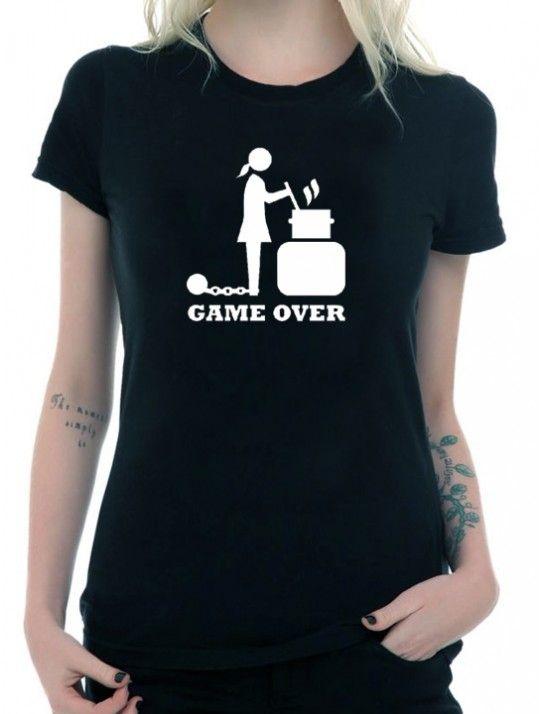 T-shirt wedding game over donna. Maglietta da indossare durante l'addio al nubilato oppure durante il giorno delle nozze. Taglie disponibili: S,M,L, XL #tshirt #bestman #bridesmaids #wedding #fun #comic #ideas #weddingideas #weddingloading #loading #ideasforwedding #gameover