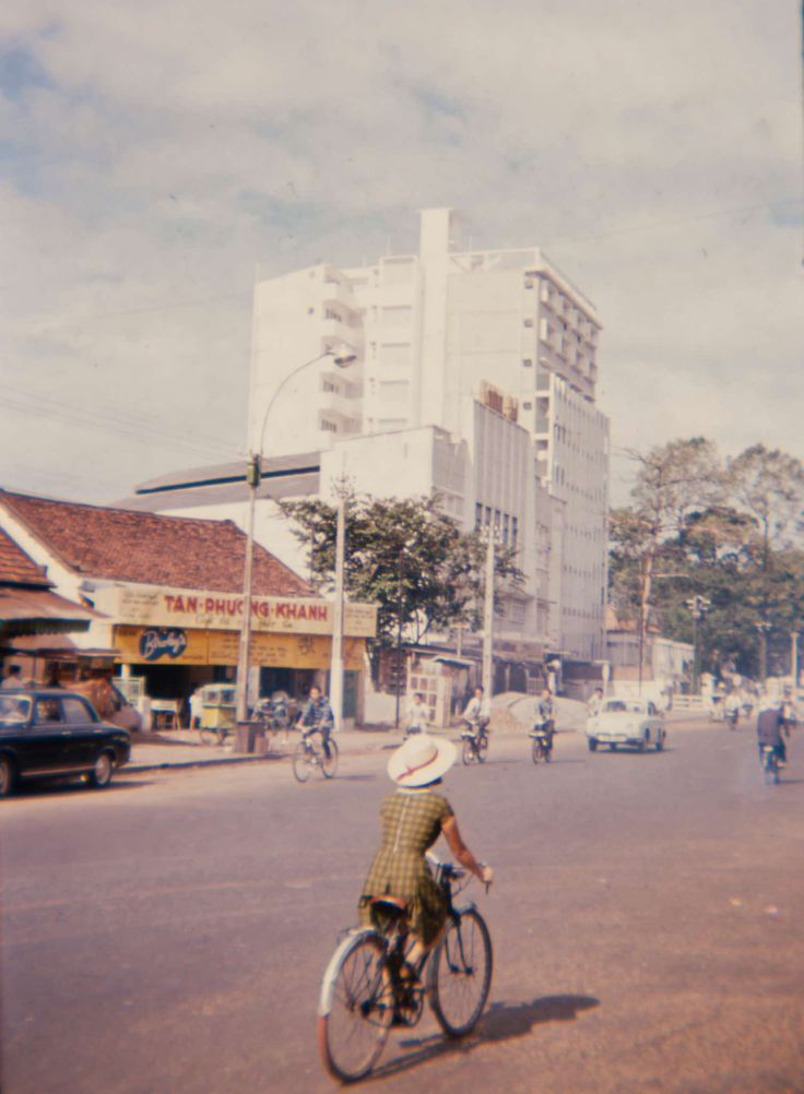 Saigon 1965 - Tom Robinson Gallery