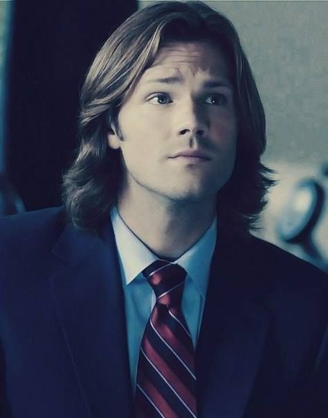 Supernatural - Sam Winchester, Season 7. Whoa, his hair is soooo long.