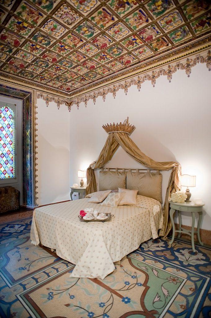 The royal bedroom in Santa Maria apt. Charme and history.