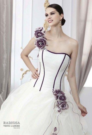 vestito-da-sposa-con-dettagli-viola.jpg (374×544)
