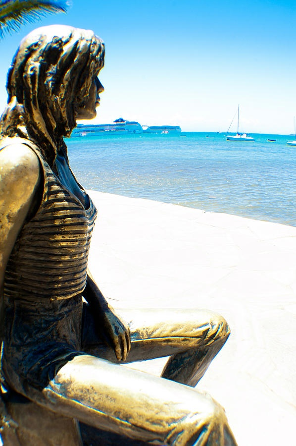 One of the main tourist attractions in Buzios - a statue of Brigitte Bardot watching over Búzios