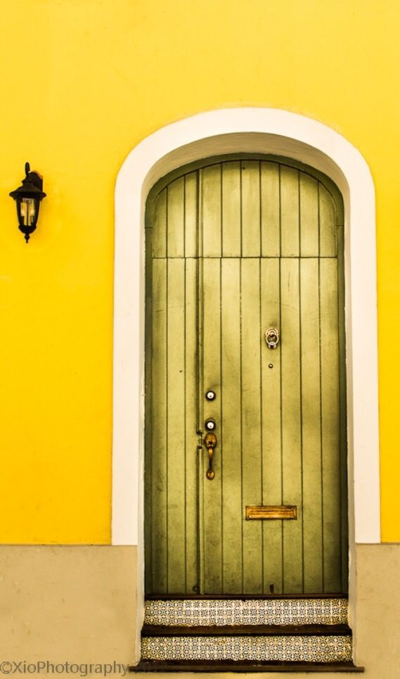 #Doors inspirational ideas from around the world for your #renovation project - a door from San Juan, Puerto Rico http://www.myrenovationmagazine.com
