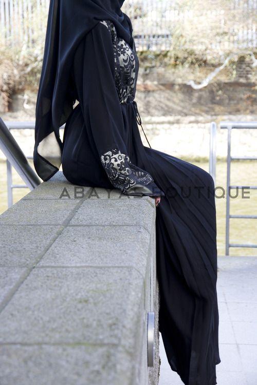 Abaya fashion. #hijab