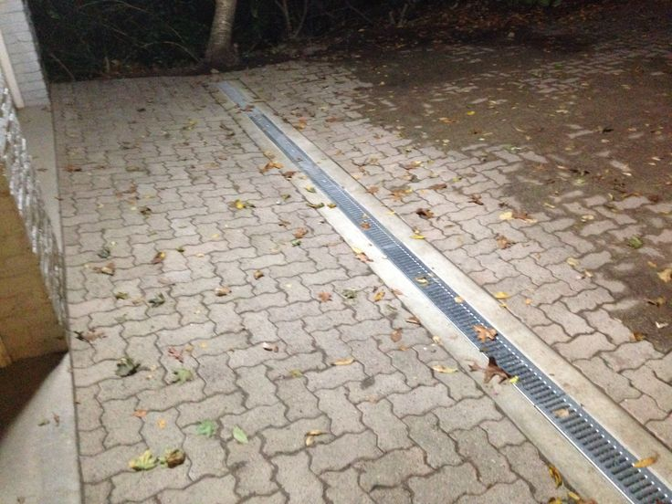 15 best images about stone driveways on pinterest a well for Drain de garage installation