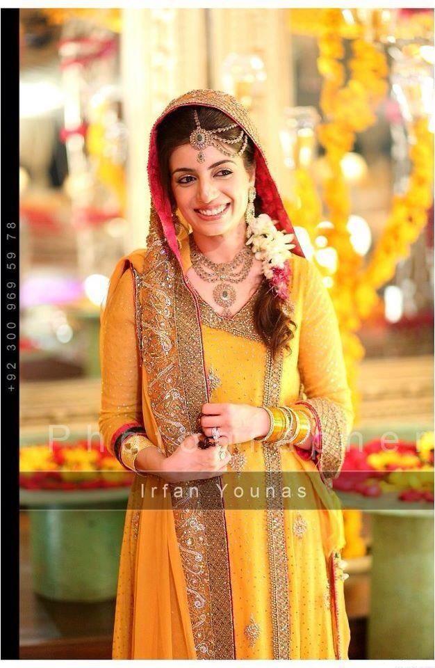 Angrakha-style-bridal-mehndi-dresses-2013.jpg (626×960)