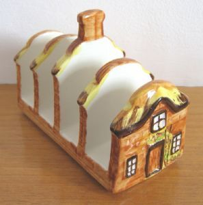 Price & Kensington Cottage Ware vintage pottery toast rack