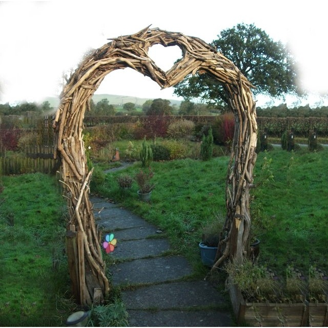 Rustic Wedding Arbors: RusticMount'nMagic Wedding: 10+ Handpicked Ideas To