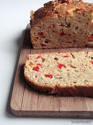Pane veloce con peperoni arrostiti e formaggio