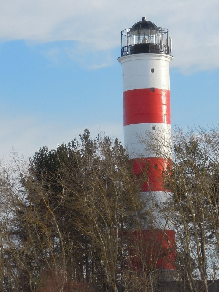 Lighthouse (1957) in Narva-Jõesuu on the Baltic Sea coast near the Russian border.