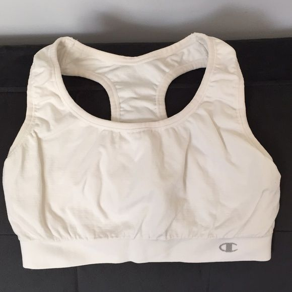 Champion sports bra Champion sports bra. Lightly worn. No damage or stains. Champion Tops