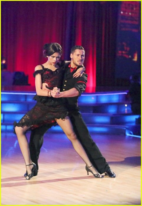 Zendaya and Val, Argentine tango