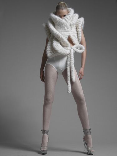 Sculptural knitwear design with dramatic twists; artistic fashion // Sandra Backlund