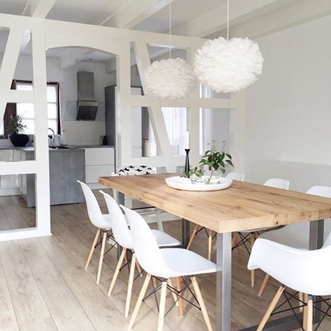 The gorgeous dining space of @nordiccalm 👈🏻 Beautiful Eos light shade by Vita Copenhagen available online now for pre order. . #vitacopenhagen #diningroom #nordichome #nordicinspiration