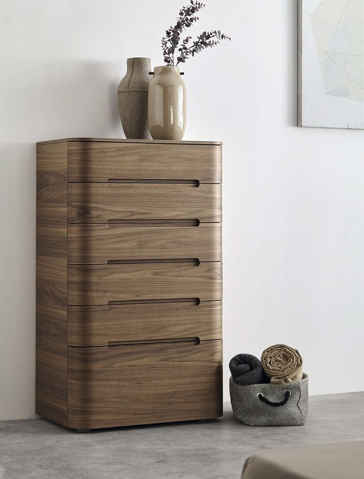 This is a beautiful piece of furniture, I'm going to say it's a dresser? Love the lines!