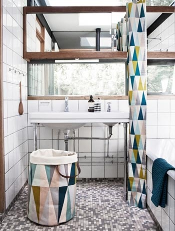 Geometric patterns work perfectly in the bathroom (Fern Living)