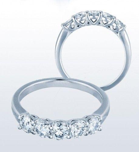 Stone Diamond Ring Gold