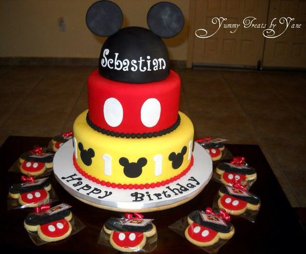 Mickey Mouse CakeMickey Mouse Cake, Mickey Cake, Birthday Parties, 1St Bday, 1St Birthday, Parties Ideas, 2Nd Birthday, Birthday Cake, Birthday Ideas