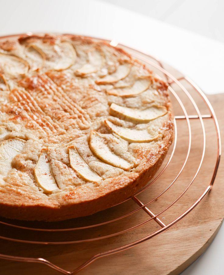 Boterkoek met appel en rozijn | Foodaholic.nl