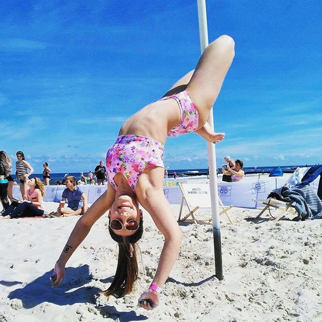 Maja in floral set 🌺 Check in our store or order by e-mail 📪  #poledance…