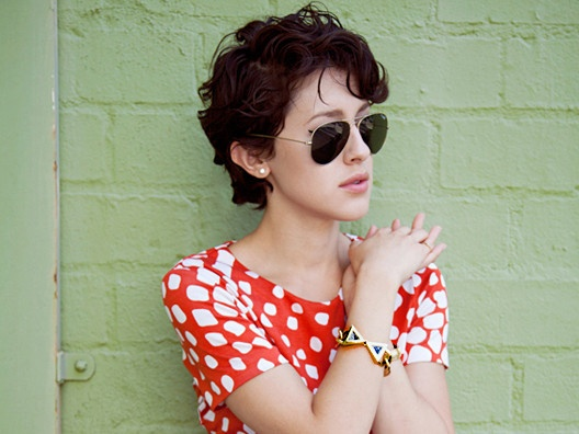 Love this short curly hairstyle of Karla Deras!