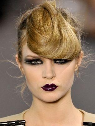 Again... the deep purple looks amazing with green eyes!: Crazy Hair, Dark Makeup, Hair Flip, Halloween Makeup, Gothic Makeup, Makeup Ideas, Inspiration Makeup, Runway Makeup, Goth Makeup