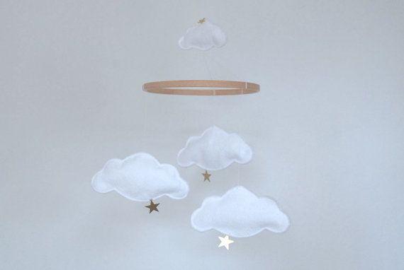 nuages et toiles b b berceau mobile nuages par littlenestbox d co b b pinterest. Black Bedroom Furniture Sets. Home Design Ideas