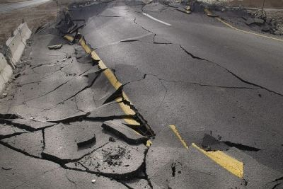 Lucruri şocante pe care vrei să le ştii despre cutremure http://www.antenasatelor.ro/curiozit%C4%83%C5%A3i/natura/9199-lucruri-socante-pe-care-vrei-sa-le-stii-despre-cutremure.html