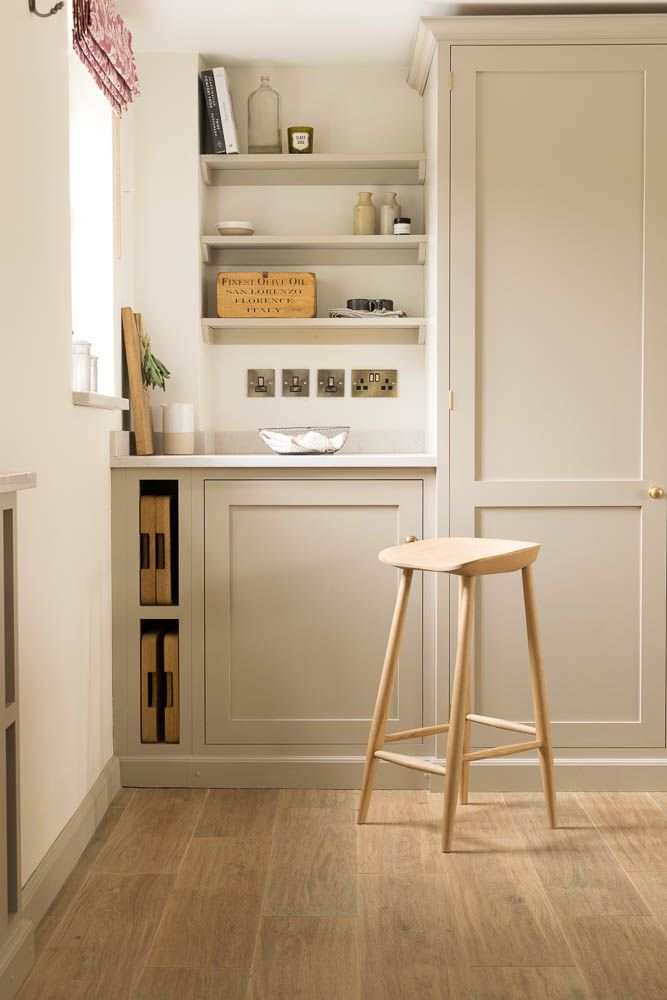 A perfect little breakfast area with a deVOL Kitchen and our Aged Oak porcelain flooring.