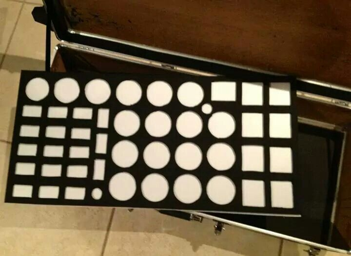 Rubber sheet glued to corflute for a palette shelf