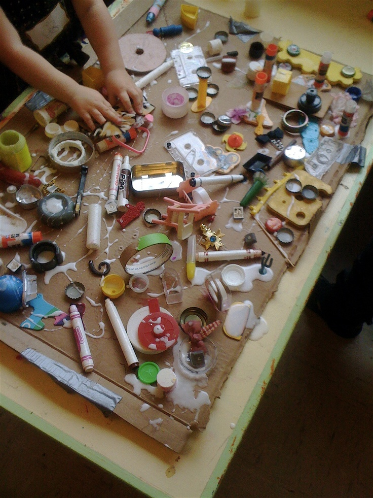 Loose Parts (Reggio) ≈ ≈ for more inspiring pins: http://pinterest.com/kinderooacademy/new-found-materials/