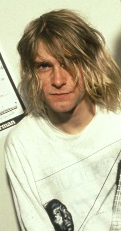 Kurt Cobain, hottest man Alive and Dead ;)