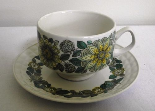 Retro-1970s-1980s-Made-in-Spain-Pontesa-Coffee-Tea-Cup-and-Saucer-Duo