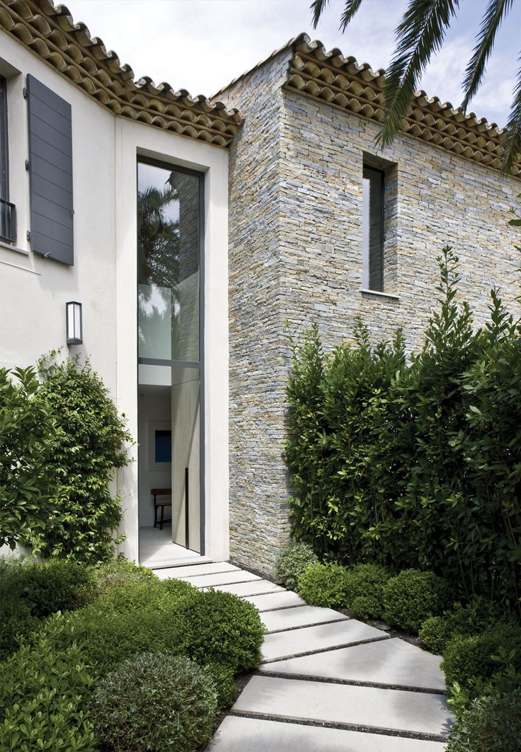 decoration facade maison contemporaine. Black Bedroom Furniture Sets. Home Design Ideas