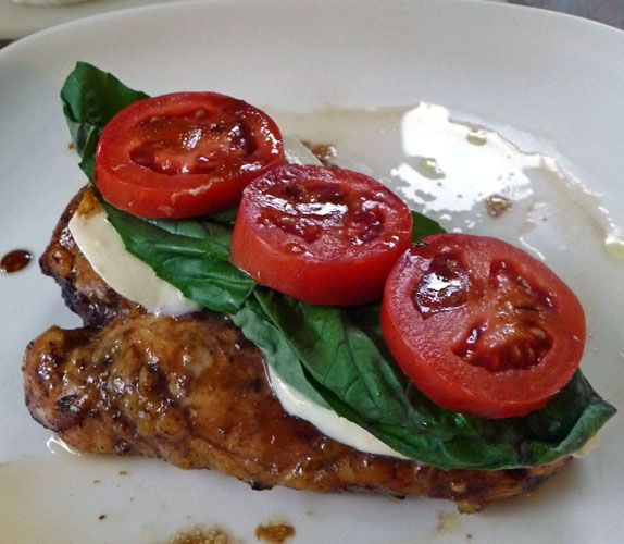 I can't wait to  try it!! >>>>Balsamic Chicken with Mozzarella, Fresh Basil, and Tomatoes make up and easy and delicious meal that is sure to impress