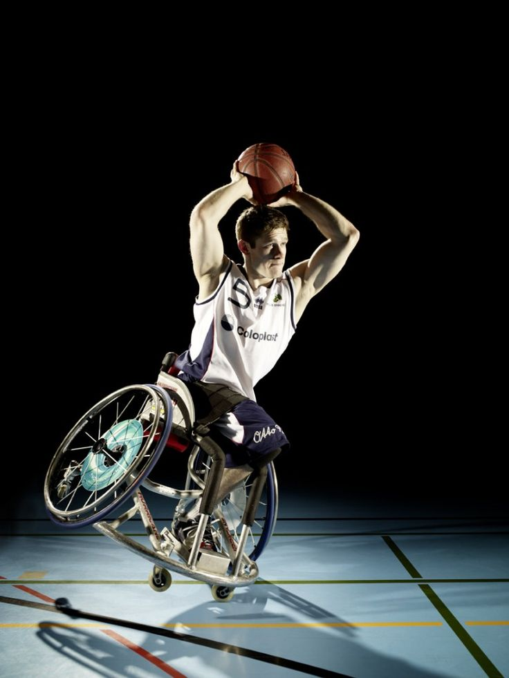 Paralympic wheelchair basketball player Janic Binda in action! How does he do that? This is crazy! He played for the Pilatus Dragons in Switzerland before transferring to the Rolling Devils in Germany. He is a young and stunning talent. Check out the whole spread. #JanicBinda #german #Paralympic #team #rollingdevils #shooting #wheelchair #sports #basketball #talent #prosports #parasports #coloplast #errea #pilatusdragons #transfer #rbbl #league