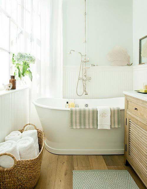 Breezy bathroom, pale green walls