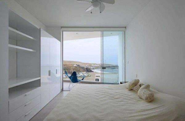 Bedroom Design Ideas from Contemporary House Design Ideas With View Of The Beach 600x392 Contemporary House Design Ideas With View Of The Beach