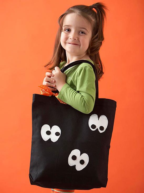 Spooky Simple DIY Halloween Bags: Spooky Eyes Tote