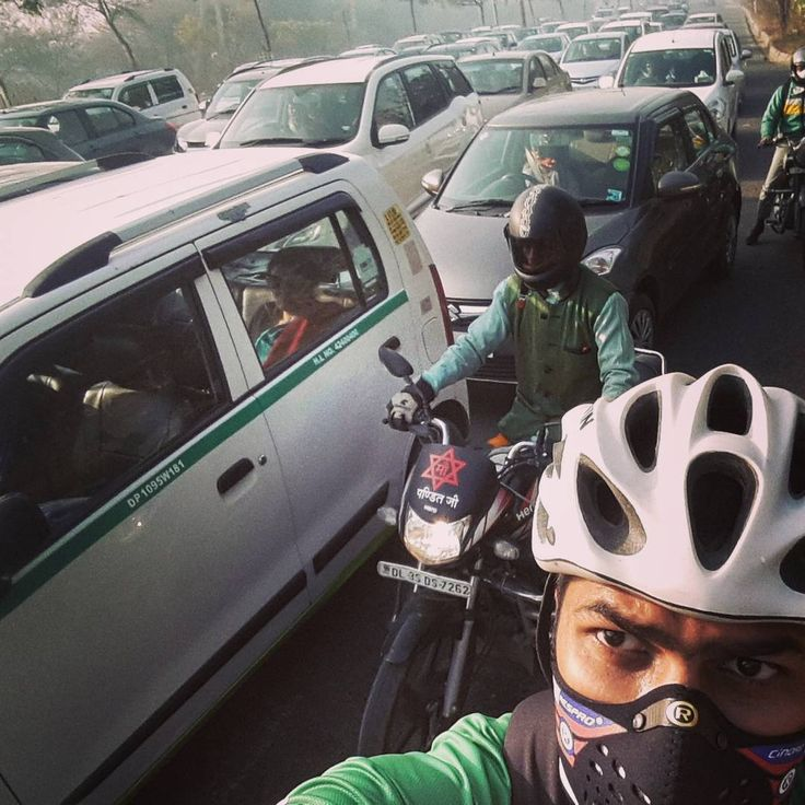 Beating #Delhi #traffic in #Bane mode!   #xBhp #Cycling #MTB #commute #respro