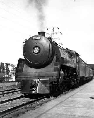C.P.R '2925'. Locomotives of this type designed in the 1930's for CPR's fast intercity passenger services and completed in 1937-38 by the Canadian Locomotive Co. in Kingston, Ontario. Also, referred to as Class Flas 4-4-4, steam locomotive.