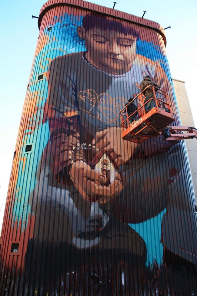 El niño de las pinturas – A Collection.  Wow.  I wish someone would do something like this on the old grain silos in Buffalo, NY.