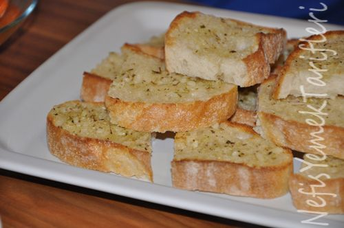Sarımsaklı Ekmek Tarifi - Nefis Yemek Tarifleri http://www.nefisyemektarifleri.com/sarimsakli-ekmek-tarifi/