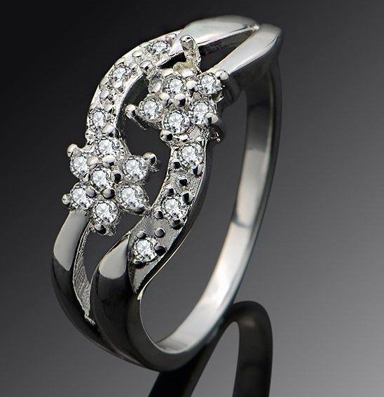 $5,8 Shooting star Cubic Zircon crystal engagement ring - Jewelry Wholesale. BEST PRICE: Directly in the jewelry factory. VAT-free shopping: Available, partners based in the European Union, only applies to EU tax identification number (UID). Exclusive design SWAROVSKI crystals and AAA Zircon crystal engagement rings, wedding & bridal rings, cocktail party rings.