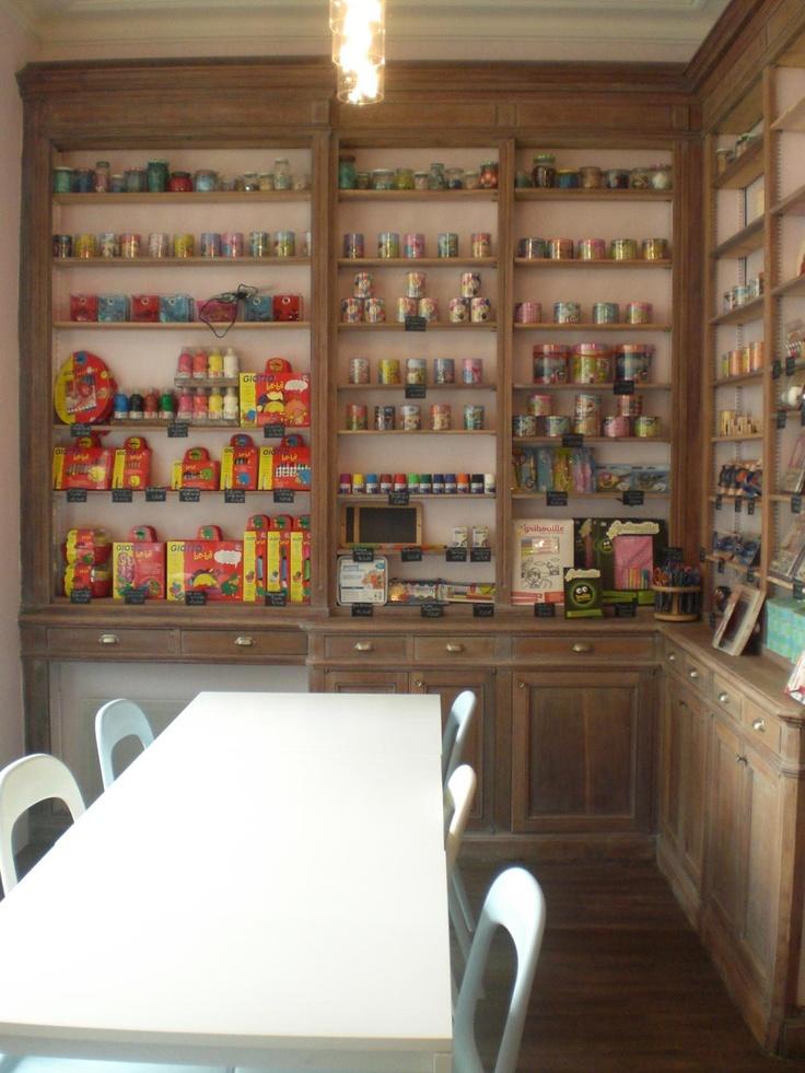 Parisopen shelving and pretty tins