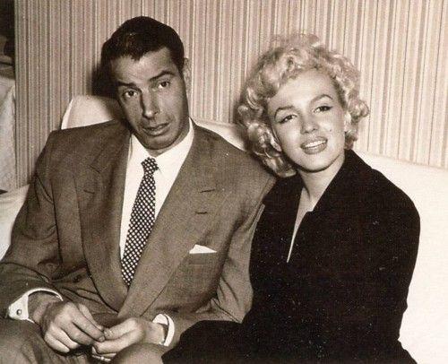 ♥ღ♥MARILYN MONROE♥ღ♥  A rare picture of Marilyn and Joe in Japan for their Honeymoon, 1954.