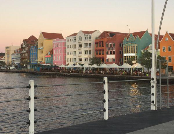 Handelskade in Punda Willemstad