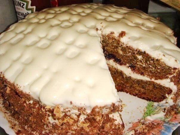 """6 рецептов самых быстрых и вкусных тортов  Все торты готовятся очень легко и быстро!  Должно быть в копилке каждой хозяйки ;)  1. Самый вкусный и быстрый торт 2. Простой и вкусный кефирный торт 3. Творожный торт на сковороде 4. Торт """"Минутка"""" в микроволновке 5. Торт """"Минутка"""" на сковороде 6. Тирамису за 5 минут  Рецепты:  1. Рецепт самого вкусного и быстрого торта!!!  Ингредиенты:  Яйца — 2 шт. Сахар — 1 ст. Молоко — 1 ст. Варенье — 1 ст. (ежевика, черная смородина, слива или черника) Соды…"""